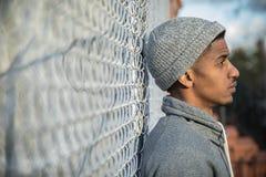 Młode, czarne modniś pozy dla szczerej fotografii w NYC, Fotografia Royalty Free