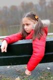 Młode dziecko z telefonem zdjęcie stock