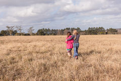 Młode Dziewczyny Pociesza pustkowie rezerwę Obraz Royalty Free