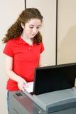 młode kobiety głosowania zdjęcia royalty free