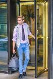 Młodego człowieka podróżować obraz stock