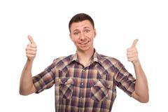 Młodego człowieka seansu gesta aprobaty Fotografia Stock