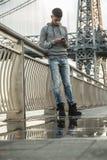 Młodego człowieka teksty w Brooklyn, NYC Fotografia Royalty Free