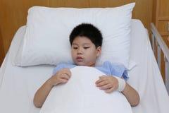 Młodej chłopiec odzieży cierpliwy kostium Obraz Stock