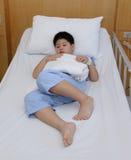 Młodej chłopiec odzieży cierpliwy kostium Fotografia Stock