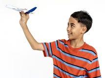Młodej chłopiec sztuki zabawki Męski pojęcie Zdjęcie Royalty Free