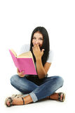 Młodej dziewczyny mienia książka Obraz Stock