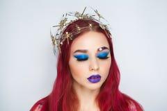 Młodej kobiety czerwieni włosy Zdjęcia Royalty Free