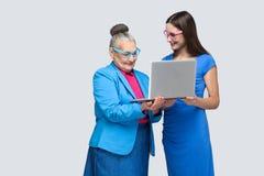 Młodej kobiety edukaci ol kobieta dla pracy w ogólnospołecznym networking obrazy stock