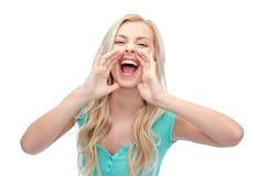 Młodej kobiety lub nastoletniej dziewczyny krzyczeć Zdjęcie Stock