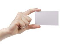 Młodej kobiety ręki seansu pusta papierowa karta kamera obrazy stock