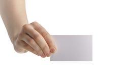 Młodej kobiety ręki seansu pusta papierowa karta kamera zdjęcie royalty free