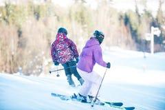 Młodości narciarstwo w górach Carpathians Zdjęcie Royalty Free