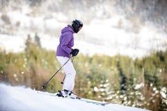 Młodości narciarstwo w górach Carpathians Obrazy Royalty Free
