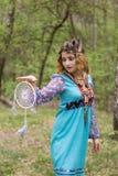 Młody żeński szaman w drewnach Fotografia Royalty Free