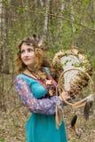 Młody żeński szaman w drewnach Fotografia Stock