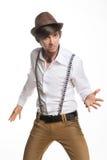 Młody aktywny kapelusz i suspenders obrazy stock