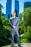 Młody Amerykański Biznesowego mężczyzna podróżować, pracuje w Nowy Jork zdjęcia stock