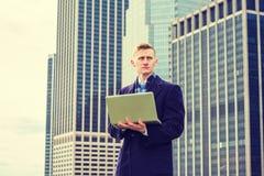 Młody Amerykański mężczyzna podróżować, pracuje w Nowy Jork Fotografia Stock