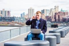 Młody Amerykański student collegu podróżuje, studiujący w Nowy Jork Obraz Stock