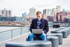 Młody Amerykański student collegu podróżuje, studiujący w Nowy Jork Fotografia Stock