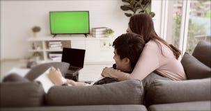 Młody Azjatycki kochanek wydaje czas wpólnie zdjęcie wideo