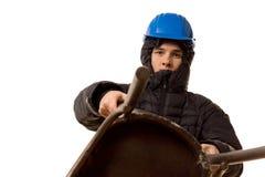 Młody bandyta używa drewnianego krzesła jako broń Fotografia Royalty Free