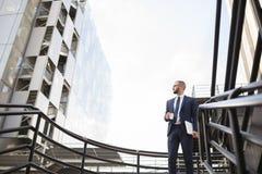 Młody biznesmen patrzeje w przyszłość Fotografia Royalty Free