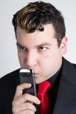 Młody biznesowego mężczyzna główkowanie Zdjęcia Royalty Free