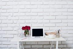 Młody biznesowej kobiety workspace obrazy royalty free