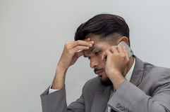 Młody biznesowy mężczyzna Pracować zmęczenie obrazy stock