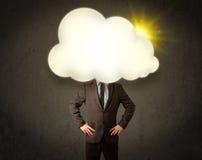 Młody biznesowy mężczyzna w koszula i krawat z pogodną chmurą przewodzimy zdjęcia stock