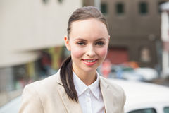 Młody bizneswoman ono uśmiecha się przy kamerą Obraz Royalty Free