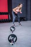 Młody Bodybuilder szkolenie z ciężarami Zdjęcie Stock