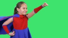 Młody bohater dziewczyny latanie zdjęcie wideo