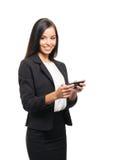 Młody brunetka bizneswoman z smartphone fotografia stock