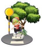 Młody człowiek jeździć na deskorolce w ulicie Fotografia Stock