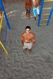 Młody człowiek na plaży Obrazy Royalty Free