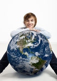 Młody człowiek nad ziemią Zdjęcie Royalty Free