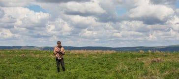 Młody człowiek przy stepem, Kazachstan Fotografia Stock
