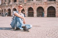 Młody człowiek rekonesansowy romantyczny Verona fotografia stock