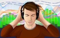 Młody człowiek słucha muzyka w hełmofonach Obrazy Stock