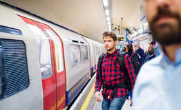 Młody człowiek w metrze zdjęcie stock