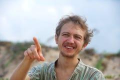 Młody człowiek wyraża silną emocję zdjęcia royalty free