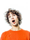 Młody człowiek zaskakujący zadziwiający portret Zdjęcie Stock