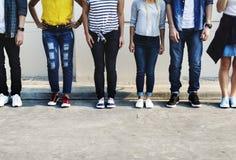 Młody dorosły przyjaciel kultury młodzieżowej pojęcie fotografia royalty free