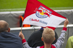 Młody fan piłki nożnej przy trybuną obraz royalty free