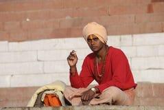 Młody Indiański mężczyzna w Varanasi zdjęcia stock