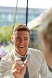 Młody konsultant daje rada klient fotografia royalty free