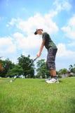 Młody męski golfowy gracz obraz stock